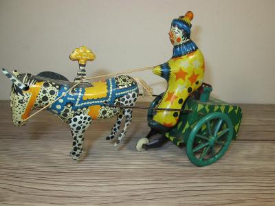 1960'S MADE IN USSR CCCP TIN CLOWN WITH CART AND HORSE WIND UP (T14)