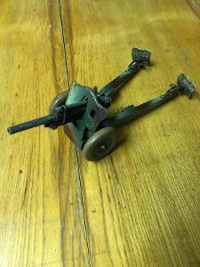 Kanon,stara hračka
