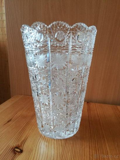 Broušená váza ruční výroba  TOP STAV - Starožitnosti
