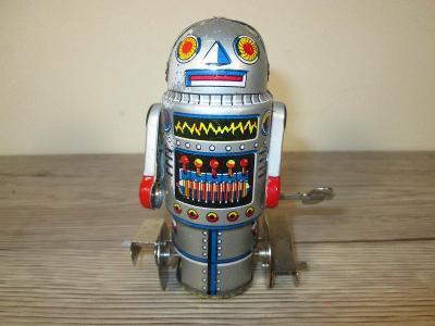 TIN WIND UP ROBOT 7 (T28)