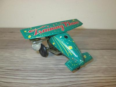 OLD WIND UP TIN MS 011 MADE IN CHINA TRAINING PLANE (T32)
