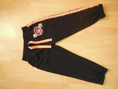 dámské Forever černé 3/4 tepláky, kalhoty nápis, guma 38/S