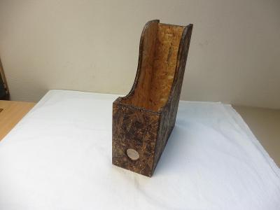 Dřevěný pořadač na tiskopisy