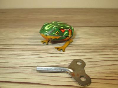 VINTAGE 1960's made in US zone West Germany TIN JUMPING FROG (T41)