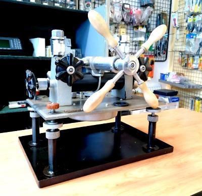 Mano-vakuo-press, testr manometrů a vakuometrů