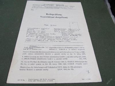 Starý dokument Vysvědčení dospělosti 1944/1945