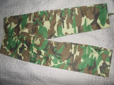 Chlapecké maskáčové kalhoty vel 146