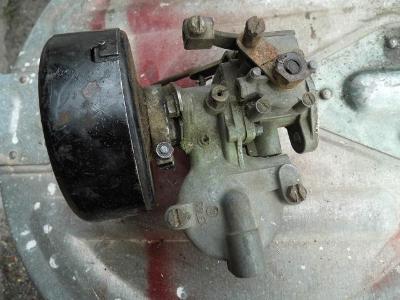 Pěkný a kompletní karburátor SOLEX PAL 26UAHD s filtrem na ŠKODA, AERO