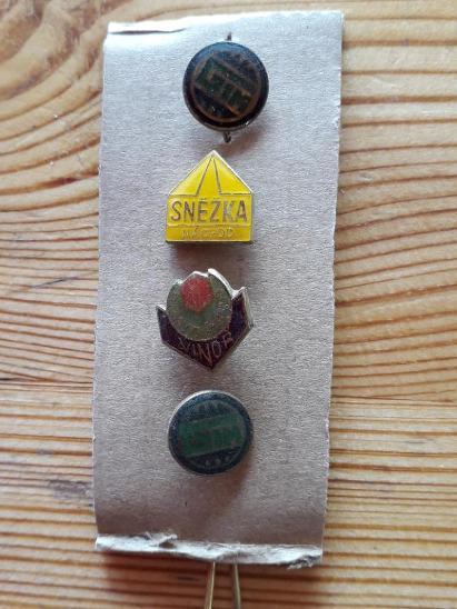 Odznaky nalezené na půdě - RŮZNÉ - Faleristika
