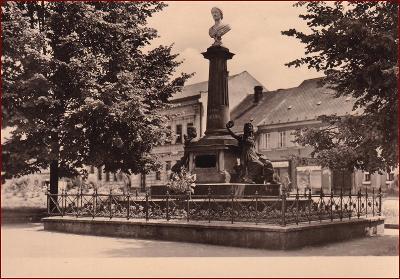 Česká Skalice * Božena Němcová, pomník, část města * Náchod * V236