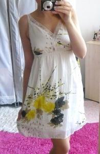 Nádherné letní bílé šatičky s krajkou *** M