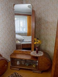 Toaletka se zrcadlem