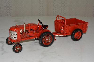 Retro kovový model - Traktor s vlečkou