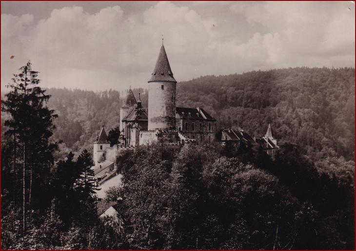 Křivoklát * hrad, celkový pohled, krajina * Rakovník * V323 - Pohlednice