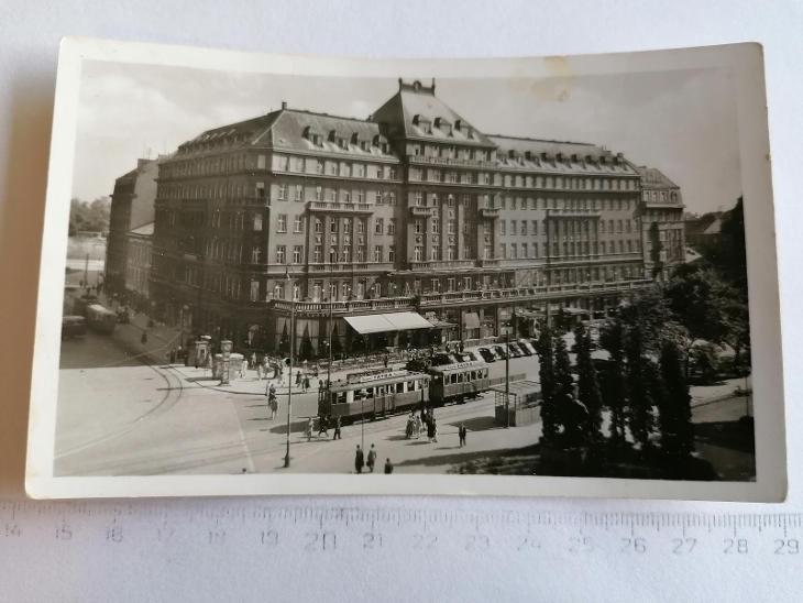 Pohled Bratislava Carlton, Hviezdoslavovo nám  - Pohlednice