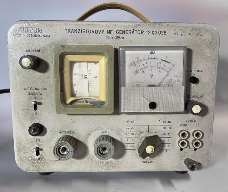TESLA TRANZISTOROVÝ NF GENERÁTOR 12 XG 036 30 HZ - 20 KHZ - Elektronika