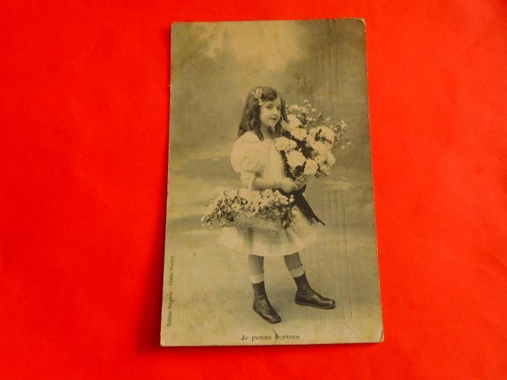 DĚVČÁTKO KVĚTINY 1908 - Pohlednice