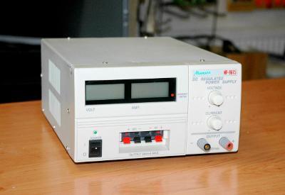 MANSON NP-9615, transformátorový regulovatelný zdroj, 0- 30V/ 0-5A