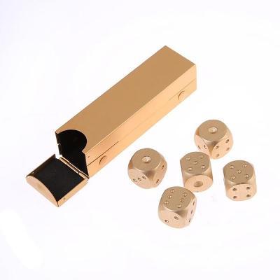 Hrací kostky 5+1 ks, kovové, barva zlatá