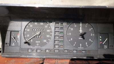 Panel přístrojů Favorit 136 L