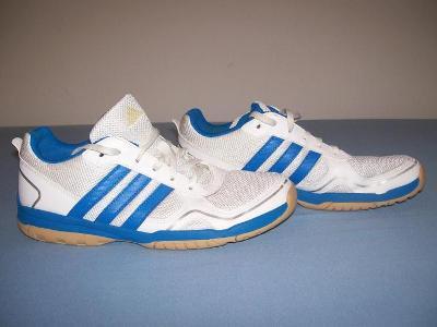 Sportovní obuv dětská ADIDAS - č. 38 2/3 (sálovky)