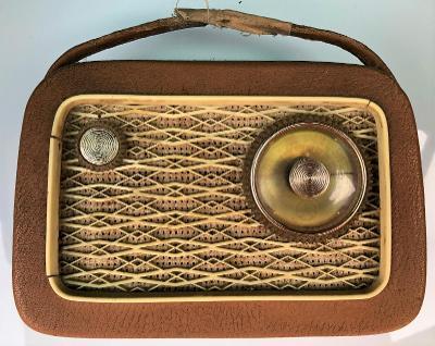 Staré rádio TESLA / telekomunikační zařízení