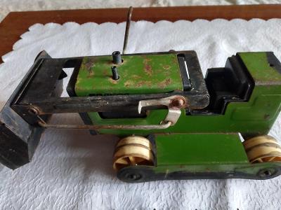 Bagr nebo buldozer - stará hračka k renovaci nebo pro sběratele