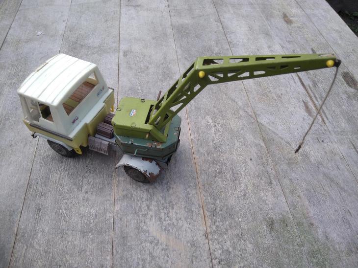 Retro hračka IGRA ITES SMĚR plechové auto nákladní jeřáb ŽUK ZBIK - Starožitnosti