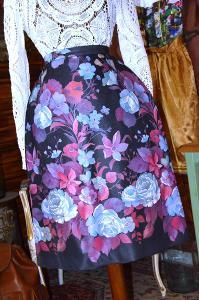Nádherně vzorovaná soudková sukně vel. 40