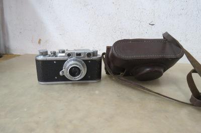 Starý fotoaparát Zorki kopie Leica - pěkný stav