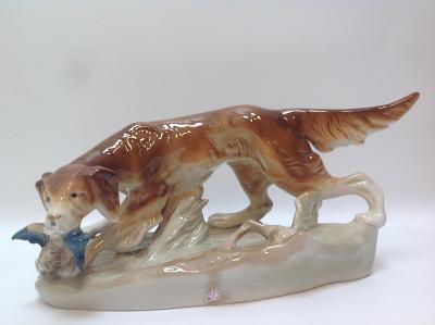 Porcelánová soška lovecký pes Royal dux