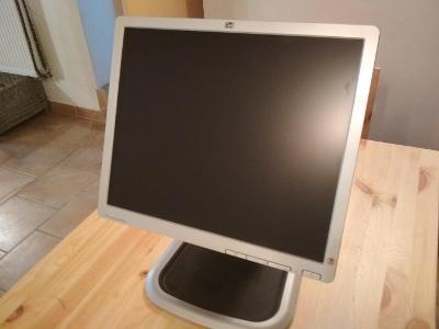 """Plně funkční LCD monitor HP Compaq LA1951g - 19"""" VGA / DVI"""