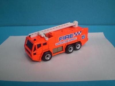 MATCHBOX - AIRPORT FIRE TRUCK