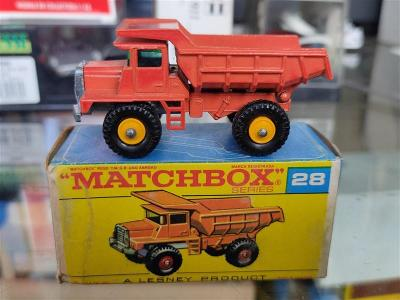 Matchbox 28 Mack Dump Truck