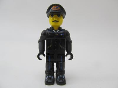 Lego CITY figurka POLICISTA , pilot