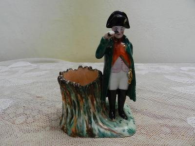 Porcelánová malovaná Figurka Napoleon Voják Dolní Chodov