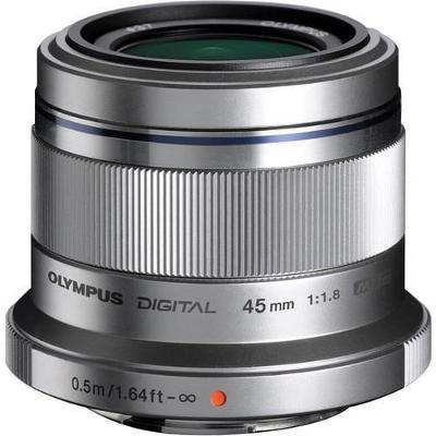 Objektiv Olympus 45MM 1.8, stříbrný