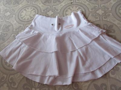 sukně bílá  široká s kanýry