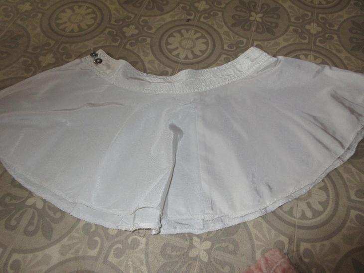 sukně široká mini bílá rozepínací - Dámské oblečení