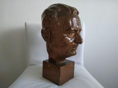 Socha Prezident Klement Gottwald busta Státník politik KSČ hlava