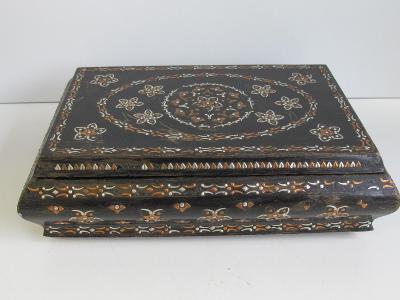 Stará dřevěná šperkovnice  - KAZETA