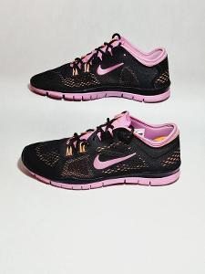 Dámská sportovní obuv - Nike Free TR Fit 4 - vel. 41