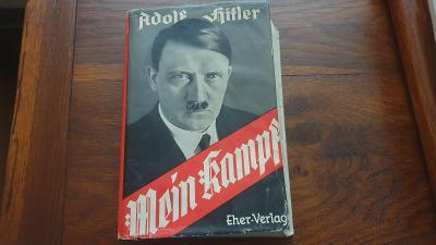 Mein Kampf v modré plátěné vazbě z roku 1940 s papírovým přebalem