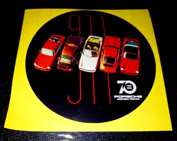 PORSCHE 911, výroční 70let, (bílá samolepka pr.7-1x) - Ostatní