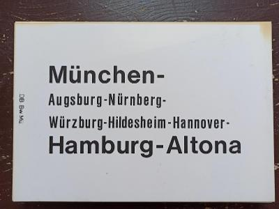 Směrová cedule DB - D (Hamburg - München)