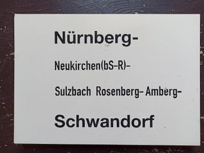 Směrová cedule DB - E (Nürnberg - Schwandorf)