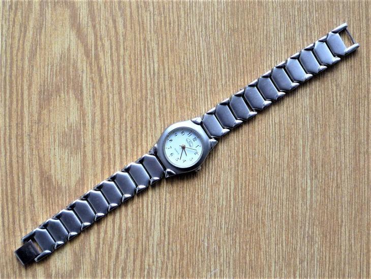 Náramkové hodinky BENTIME quartz #506-45 - Starožitnosti