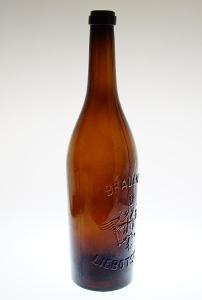 Stará pivní lahev 1 litr LIBOTSCHAN - LIBOČANY s císařskou orlicí