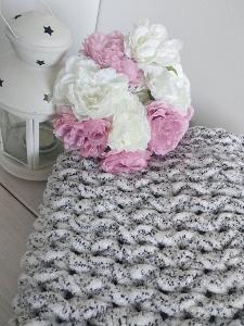 NOVÁ, ručně pletená deka pro miminko, rozměry 80x80cm