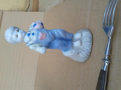 kluk-Figurální porcelán /831